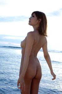 Naked Freedom Asuka Kirara 01