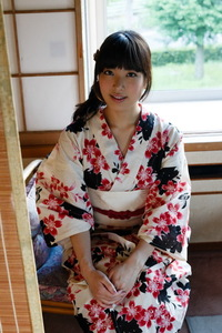 Kana Yume Kimono Love 04