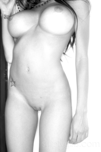 Gorgeous Lela Star Black And White Photos 08