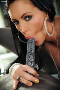 Busty Jenna Presley Stuffing Dildo In Her Fine Pussy 04