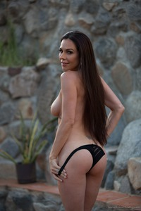 Kirsten Price Gets Nude Outside 07