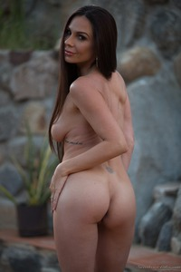 Kirsten Price Gets Nude Outside 09