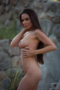 Kirsten Price Gets Nude Outside 12