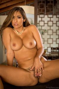 Curvy MILF Reena Sky Strips Off Her Sexy Lingerie 17