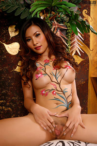 Naked Asian Babe With Nice Body Painting 12
