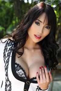 Ramita Shows Her Amazing Tits 01