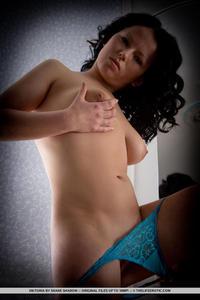 Viktoria - Handful 10