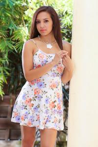 Brunette Glam Dani Maze In The Spotlight 00