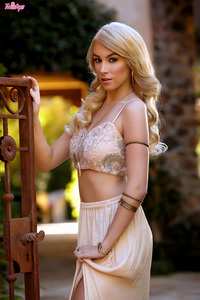 Blonde Twistys Babe Penelope Lynn Wears Lace 01