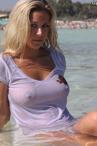 Natalie Wet Shirt 06