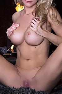 Blond Cybergirl Jessie Ann Hot Spot
