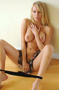 Sexy Blond Hayley Marie Topless Photos