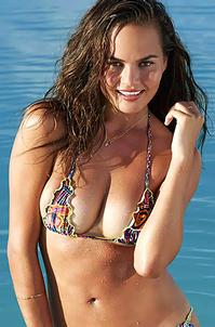 Chrissy Teigen Sexy Bikini Photos