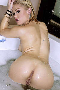 Sexy Tub Show