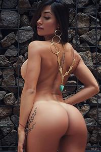 Sexy Playmate Belen Lavallen