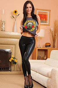 Emma Glover Strip Off Her Latex Pants Picture Gallery