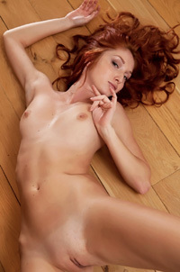 Redhead Foxy T Threw Down Her Jeans Short