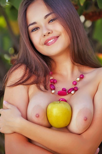 Hot Japanese Babe Li Moon And Her Apple