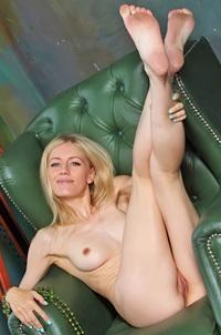 Blonde Teen Dori K Posing Nude