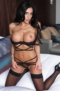 Jaclyn Taylor Showing Her Privates On Her Bed
