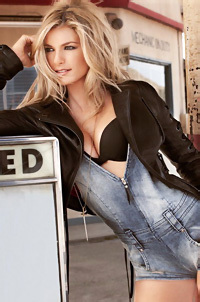 Sexy Blonde Celeb Marisa Miller