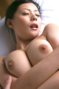 Asuka Kirara Nude On A Bed