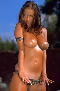 Oiled Busty Zuzana