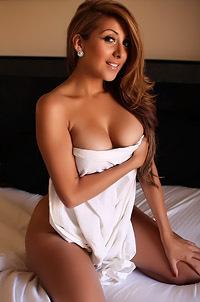 Sophia Teases Naked In Bed