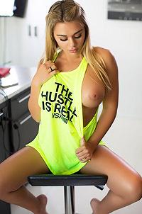 Tahlia Paris Shows Boobs