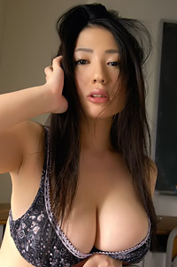Japanese Babe Nonami Takizawa
