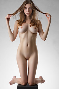 Mariposa Naked In The Studio