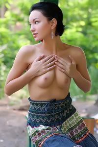 Sexy Babe Loreen