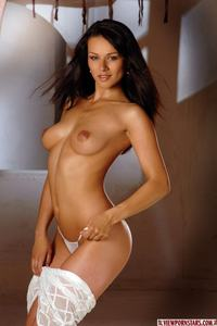 Nude Brunette Beauty 05