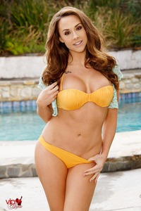 Chanel Preston Strips Off Her Orange Bikini By The Pool 03