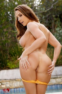Chanel Preston Strips Off Her Orange Bikini By The Pool 08
