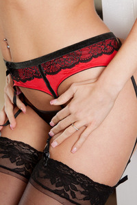 Samantha Saint Amazing Body In Red-black Set 02