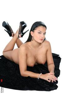 Sasha Nude 05