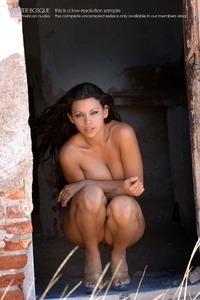 Zahyra Sexy Nude Pics 04