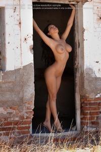 Zahyra Sexy Nude Pics 07