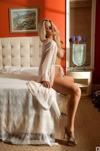 Danielle Loveland 04