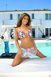 Kaitlynn Cole In Sexy Bikini 05