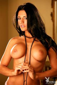 Sexy Playboy Babe Vanessa Raia Shows Her Big Boobs 02
